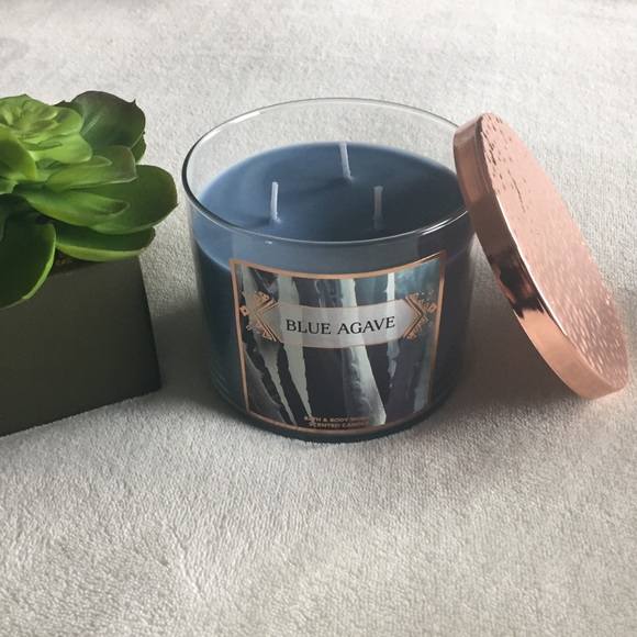 2 Bath /& Body Works Blue Agave 3-Wick Candle 14.5